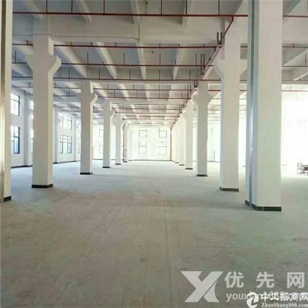 東莞東坑剛出一樓帶牛角位2000廠房出租, 高度7米