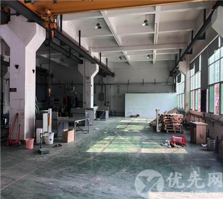光明上村大型園區一樓1580平層高6.5米帶辦公室裝修廠房出租