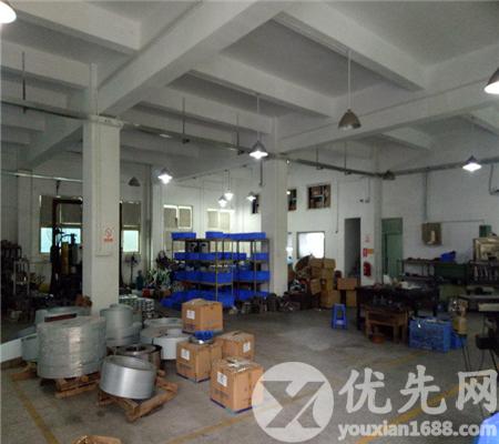 鳳崗全新一樓6米高2200平方帶裝修廠房出租